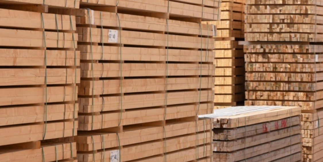 Sawmill in France recycles lumber strapping bands and saves money